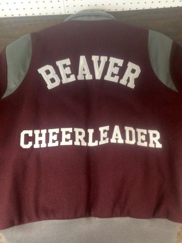 beaver-cheerleader-tackle-twill